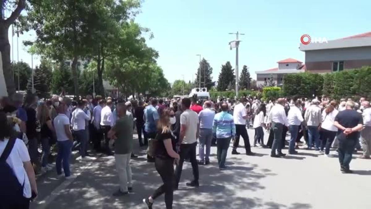 Son dakika genel: Yüzlerce seveni bıçaklanarak öldürülen Mertcan Kaya için toplandı