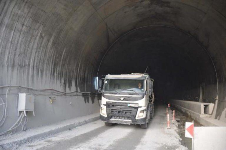 Avrupa nın en uzunu olacak Zigana Tüneli nin yüzde 89 u tamamlandı