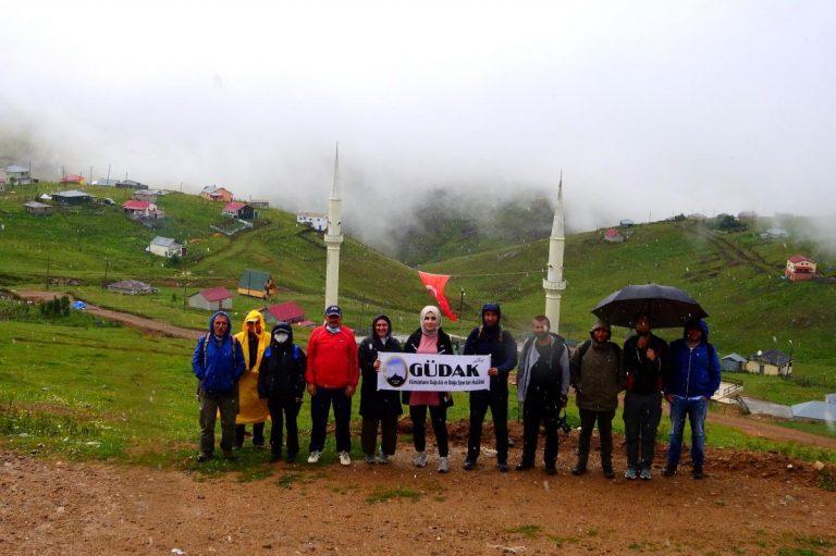 Gümüşhaneli dağcılar Kadırga Yaylasına çıkarma yaptı