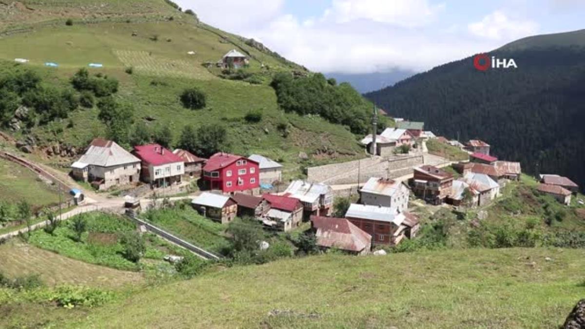 Son dakika haberleri | Gümüşhane deki en uzak köy okulunun tamiratını polisler yaptı